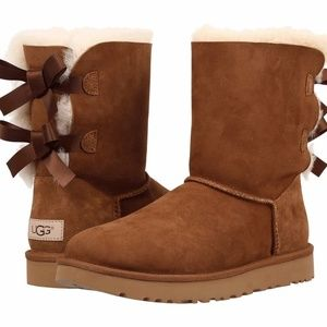 Ugg Women's Bailey Bow II Ankle-High Suede Boot 8M